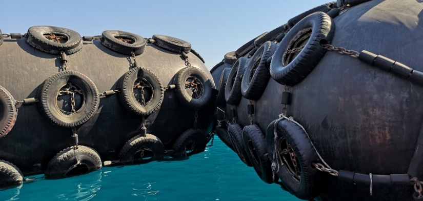EDT Agency Services - A fleet of over 30 various sized Yokohama certified fenders for prompt rental