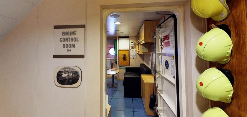 EDT Jane - Engine Control Room